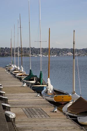 https://imgc.allpostersimages.com/img/posters/center-for-wooden-boats-lake-union-seattle-washington-usa_u-L-PN727O0.jpg?p=0