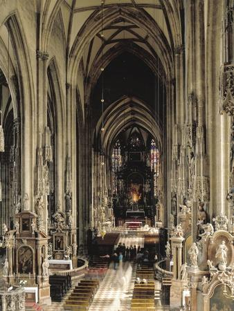 https://imgc.allpostersimages.com/img/posters/central-nave-in-st-stephen-s-cathedral_u-L-PPBPQZ0.jpg?p=0
