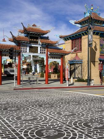 https://imgc.allpostersimages.com/img/posters/central-plaza-east-gate-in-chinatown-los-angeles-california-usa_u-L-PFNRHJ0.jpg?p=0