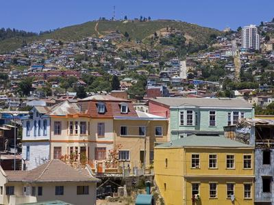 https://imgc.allpostersimages.com/img/posters/cerro-concepcion-valparaiso-chile-south-america_u-L-PFNN1K0.jpg?p=0