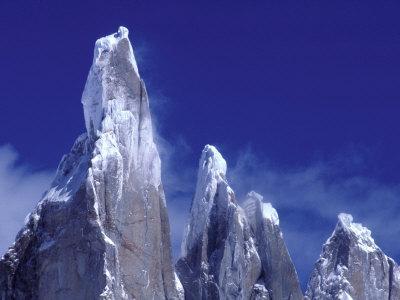 https://imgc.allpostersimages.com/img/posters/cerro-torre-los-glaciares-national-park-argentina_u-L-P2OV3C0.jpg?p=0