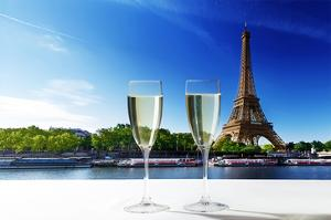 Champaign Glasses Eiffel Tower