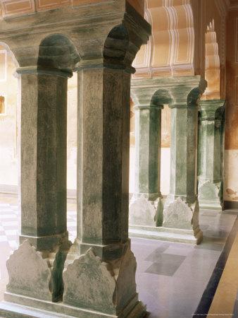 https://imgc.allpostersimages.com/img/posters/chanwar-palki-walon-ki-haveli-mansion-400-years-old-restored-to-its-original-state-amber_u-L-P1UUFH0.jpg?p=0