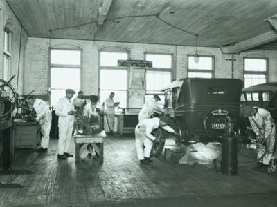 Harold S. Davies, Inc. Service Department, Circa 1930 by Chapin Bowen