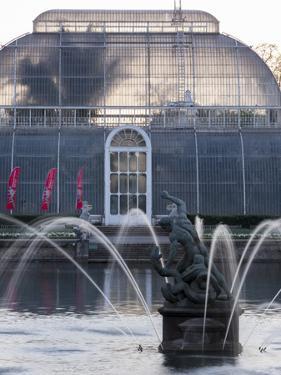 Kew Gardens Fountain by Charles Bowman