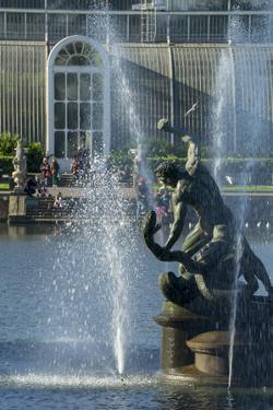 Kew Hercules by Charles Bowman