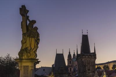 https://imgc.allpostersimages.com/img/posters/charles-bridge-unesco-world-heritage-site-prague-czech-republic-europe_u-L-PQ8MXZ0.jpg?artPerspective=n