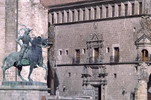 Equestrian Statue of Francisco Pizarro by Charles Carey Rumsey