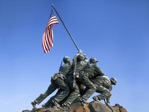 Iwo Jima Memorial, Arlington, Virginia, USA by Charles Gurche