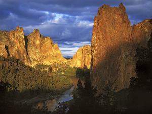 Smith Rocks State Park, Oregon, USA by Charles Gurche