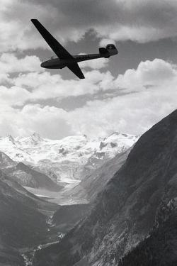 Glider in Mountains by Charles Rotkin