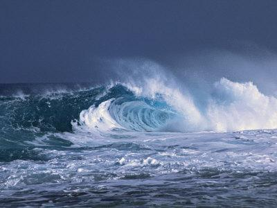 Waves on the North Shore of Oahu, Hawaii, USA