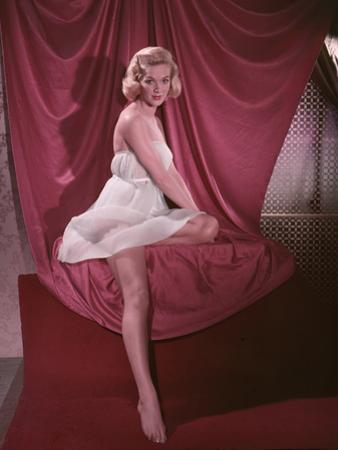 Blonde Pin-Up 5, Colour by Charles Woof