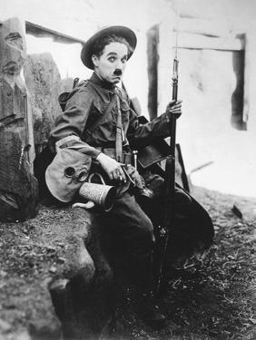 Charlie Chaplin, Shoulder Arms, 1918