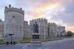Windsor Castle and Statue of Queen Victoria at Sunrise, Windsor, Berkshire, England by Charlie Harding