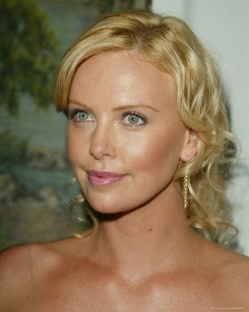 https://imgc.allpostersimages.com/img/posters/charlize-theron_u-L-NHCO0.jpg?artPerspective=n