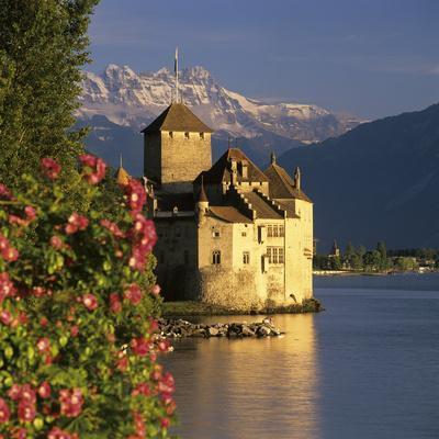 https://imgc.allpostersimages.com/img/posters/chateau-de-chillon-chillon-castle-on-lake-geneva-veytaux-vaud-canton-switzerland_u-L-PWFAPQ0.jpg?artPerspective=n