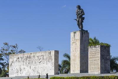 https://imgc.allpostersimages.com/img/posters/che-ernesto-guevara-mausoleum-santa-clara-cuba-west-indies-caribbean-central-america_u-L-PQ8T2B0.jpg?p=0