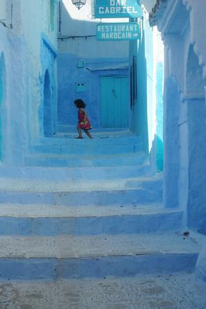 https://imgc.allpostersimages.com/img/posters/chefchaouen-girl_u-L-Q10W5NT0.jpg?p=0