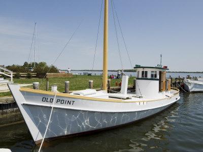 https://imgc.allpostersimages.com/img/posters/chesapeake-bay-maritime-museum-chesapeake-bay-area-maryland-usa_u-L-PXUKHA0.jpg?artPerspective=n
