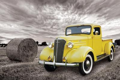 Chevrolet- Classic 1937 Yellow Pick-Up