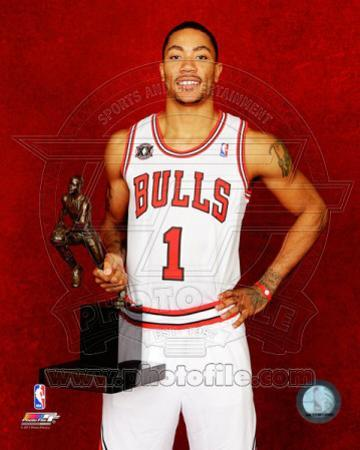 Chicago Bulls - Derrick Rose poses with the 2010-11 NBA MVP Trophy