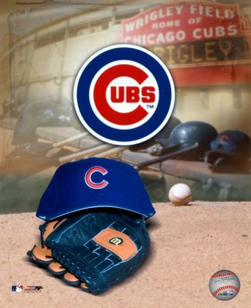 Chicago Cubs - '05 Logo / Cap and Glove