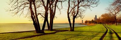 Chicago Lakefront Trail and Lincoln Park, Lake Michigan, Chicago, Cook County, Illinois, USA