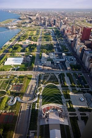https://imgc.allpostersimages.com/img/posters/chicagos-front-yard_u-L-Q1AT3G80.jpg?p=0
