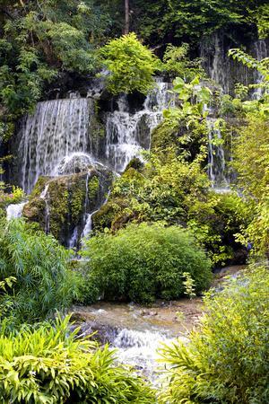 https://imgc.allpostersimages.com/img/posters/china-10mkm2-collection-natural-waterfalls_u-L-PZ7J8D0.jpg?p=0