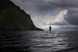 Stand Up Paddle Boarding in Waipi'O Bay by Chris Bickford