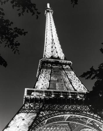 Eiffel Tower by Chris Bliss
