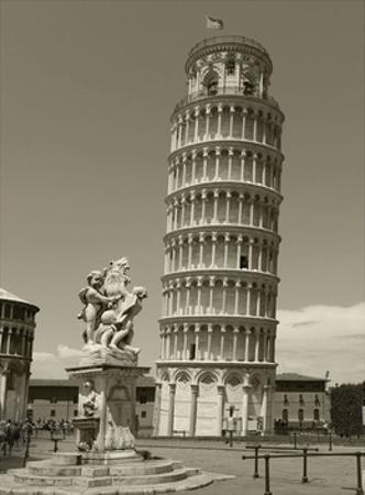 Pisa Tower by Chris Bliss