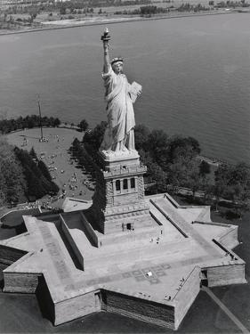 Statue of Liberty by Chris Bliss