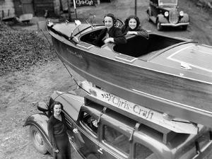 Chris-Craft Girls with Two Classics