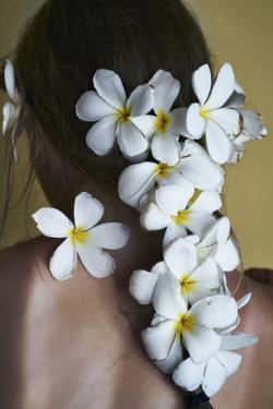 Hawaii Naomi Flowers by Chris Dunker