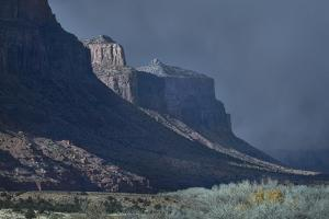 Landscape Lumsden Bluff by Chris Dunker