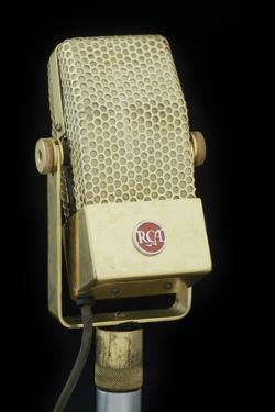 Mic RCA Gold by Chris Dunker