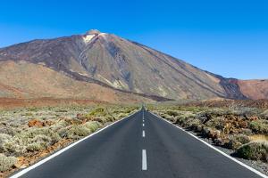 El Teide National Park, Tenerife, Canary Islands by Chris Hepburn