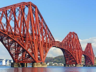 Forth Rail Bridge over the Firth of Forth, South Queensferry Near Edinburgh, Lothian, Scotland