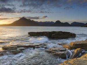 Sunset at Elgol Beach on Loch Scavaig, Cuillin Mountains, Isle of Skye, Scotland by Chris Hepburn