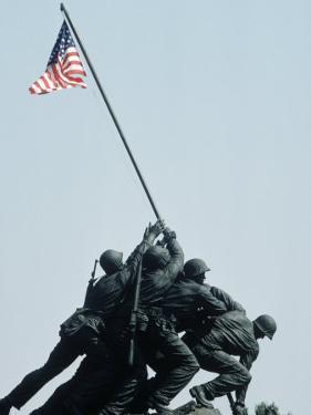 Iwo Jima Statue, Washington DC by Chris Minerva