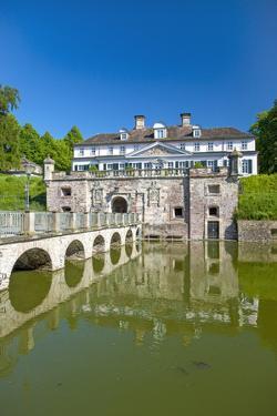 Germany, Lower Saxony, Bad Pyrmont, Moated Castle, Health Resort Area by Chris Seba