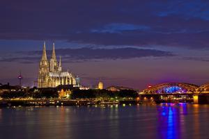 Germany, North Rhine-Westphalia, the Rhine, Cologne, Cathedral, Dusk, Hohenzollern Bridge by Chris Seba