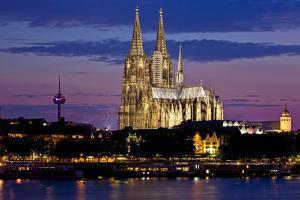 Germany, North Rhine-Westphalia, the Rhine, Cologne, Cathedral, Evening Mood by Chris Seba