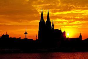 Germany, North Rhine-Westphalia, the Rhine, Cologne, Cathedral, Sunset by Chris Seba