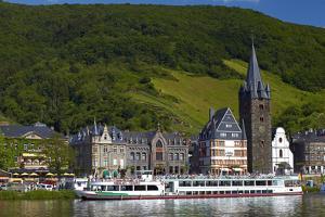 Germany, Rhineland-Palatinate, Moselle Valley, Bernkastel-Kues, the Moselle, Tourboats by Chris Seba