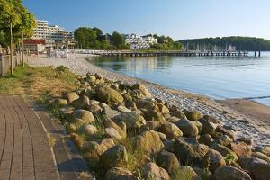Germany, Schleswig-Holstein, Strollers, Beach, Stones, Evening by Chris Seba