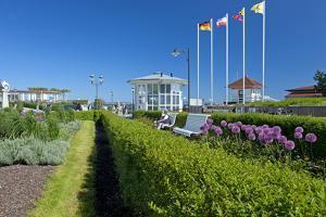 Germany, the Baltic Sea, Western Pomerania, Island RŸgen, Seaside Resort Binz by Chris Seba