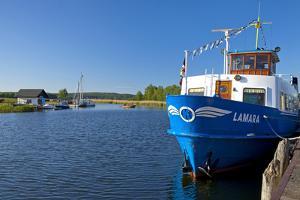 Germany, the Baltic Sea, Western Pomerania, Island RŸgen, Seedorf, Rowing Boat Ferry by Chris Seba